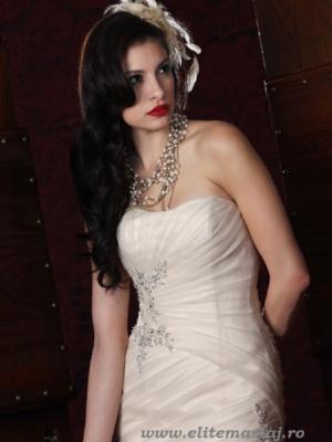 Impression Bridal 10130