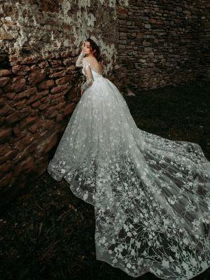 Vicovan Larisa - LEEA by AManda Di Velli