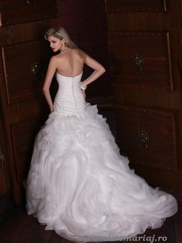 Impression Bridal 10124