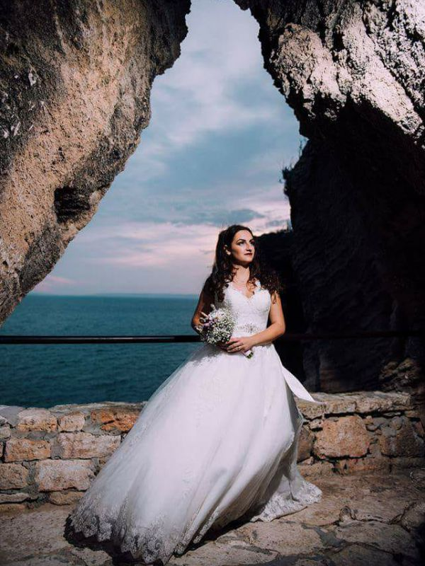 Iulia - Anastasia by Amanda Di Velli