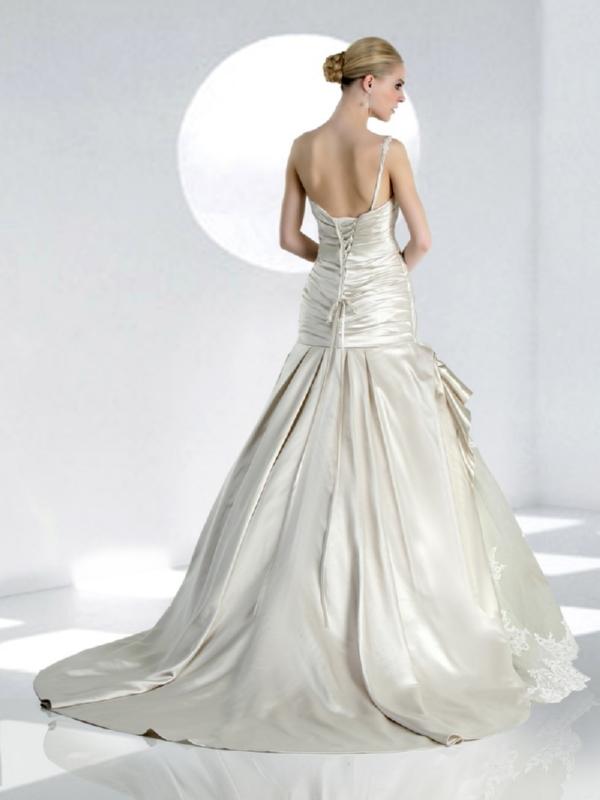 Impression Bridal 10047