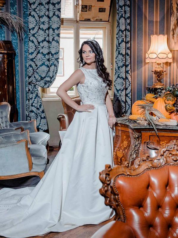 Teodora - MARGOT Amanda DiVelli